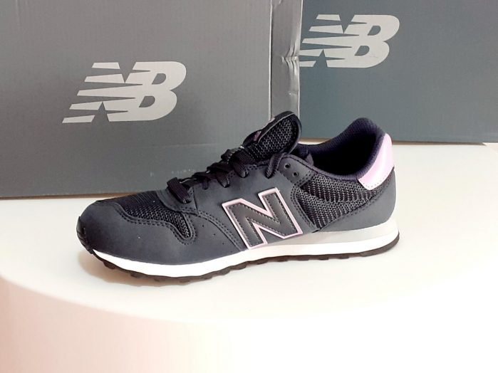 New Balance colore Blu scuro